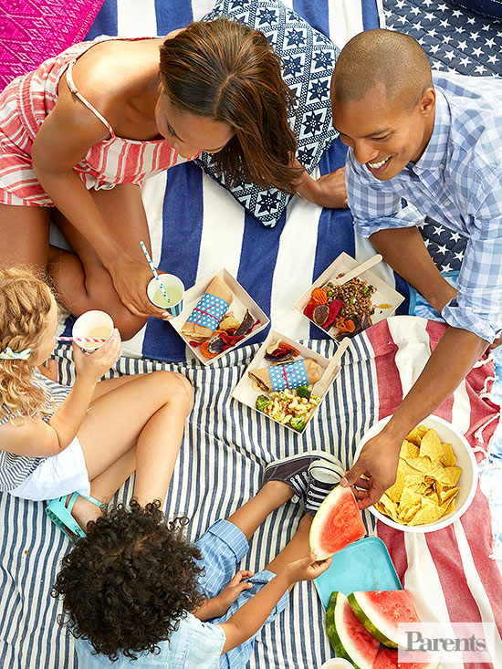 How to Pack the Perfect Family Picnic