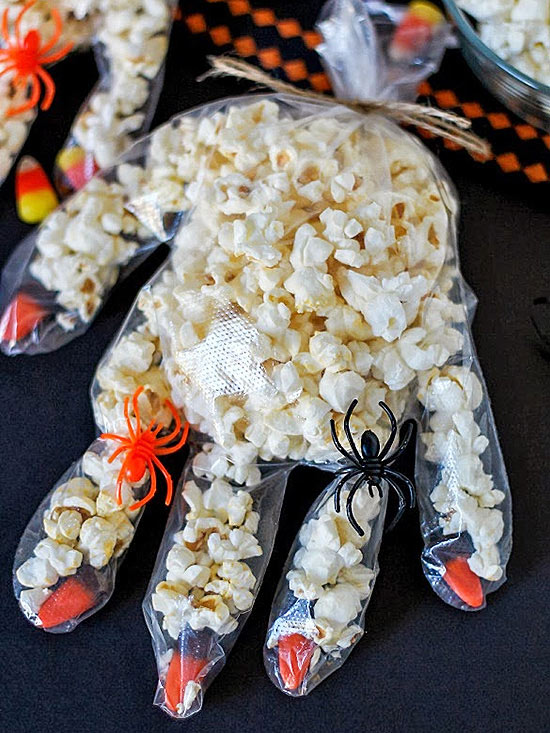 Popcorn Hands with Spider Rings