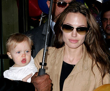 Angelina Jolie with baby Shiloh
