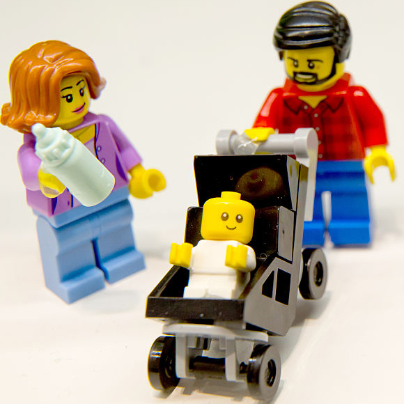 Lego minifigures SAHD and working mom