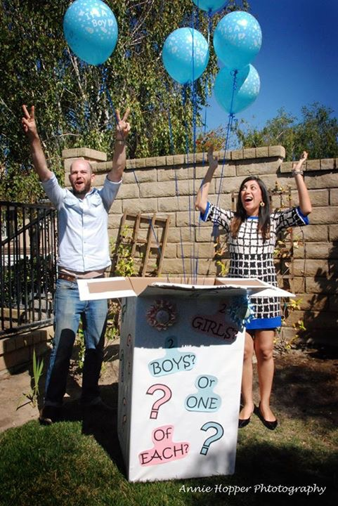 Balloon launch as gender reveal idea for expectant couple