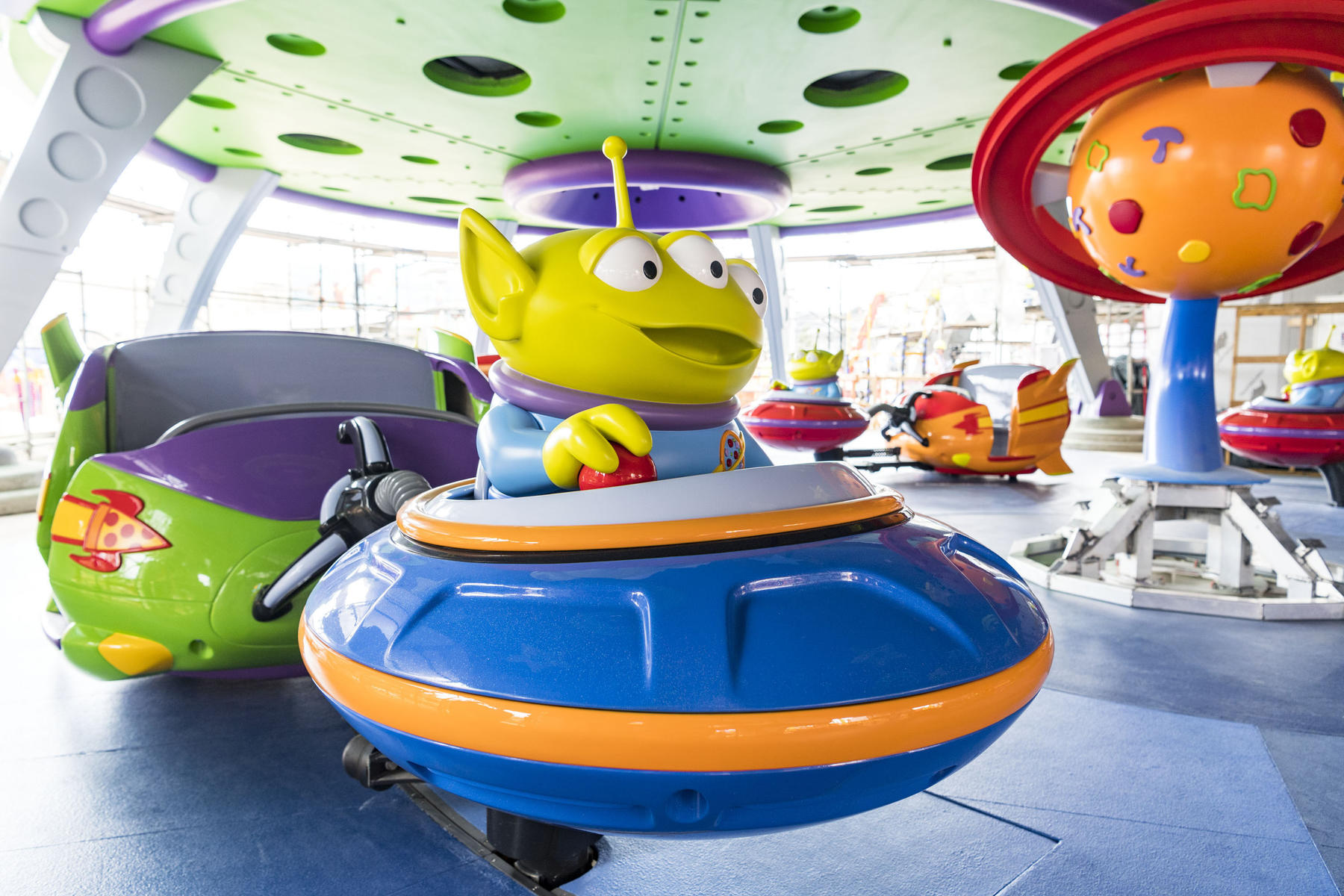 Alien Swirling Saucers Ride at Toy Story Land