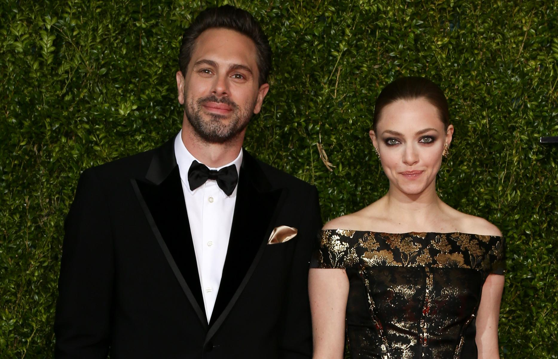 amanda seyfried and thomas sadoski 2015