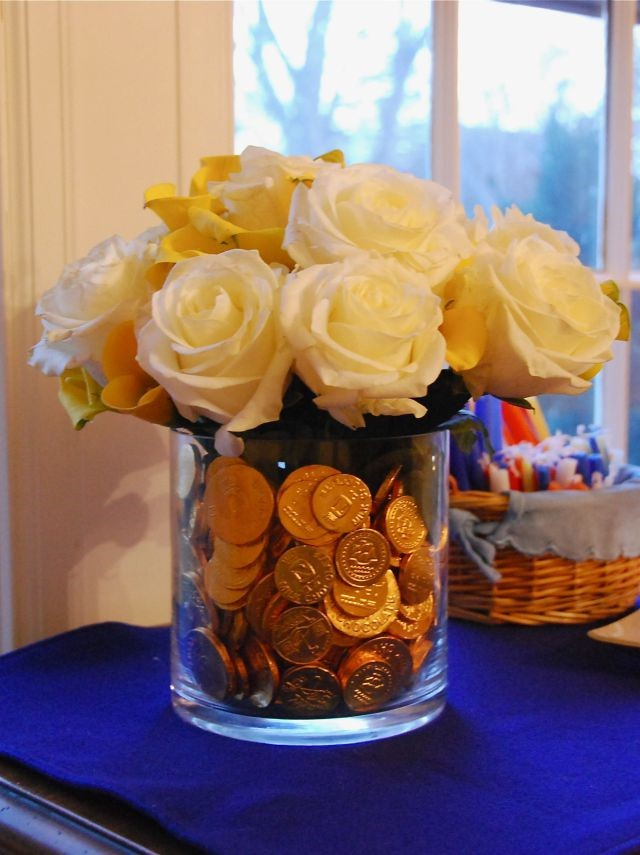 DIY Centerpiece White Roses And Coins In Vase