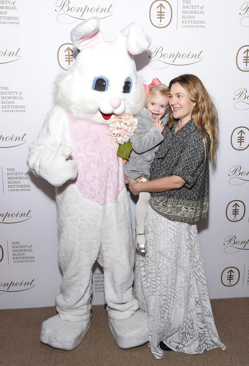 9 Photos of Celeb Kids Meeting the Easter Bunny
