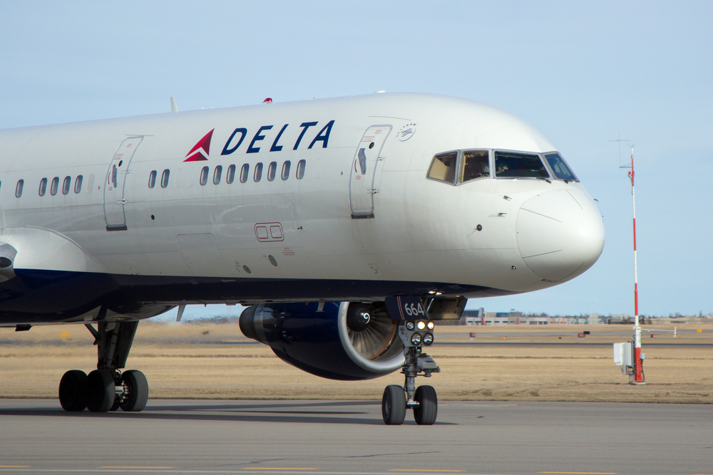 Dad Says Delta Airlines Kicked Family Off Flight for Child's Head Lice: Fair or Not?