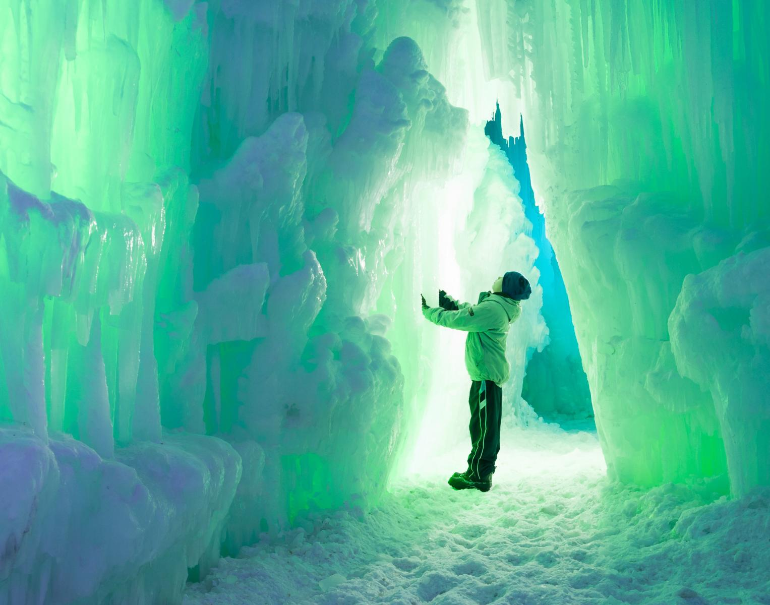 Ice Castles Holiday Vacation
