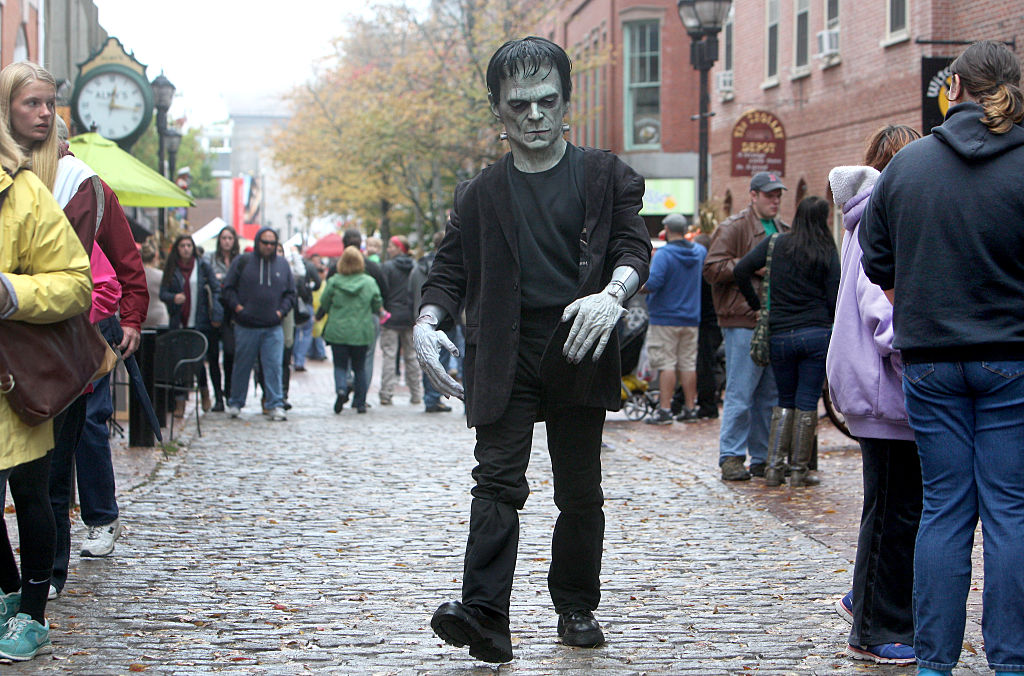 8 Spooktacular Places to Visit for Halloween