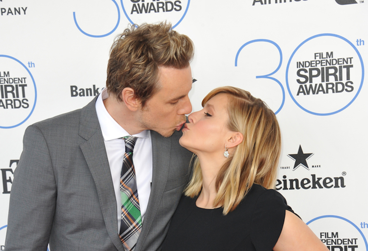 Kristen Bell Shares How She & Dax Shepard Tag Team When She's Losing Her Cool