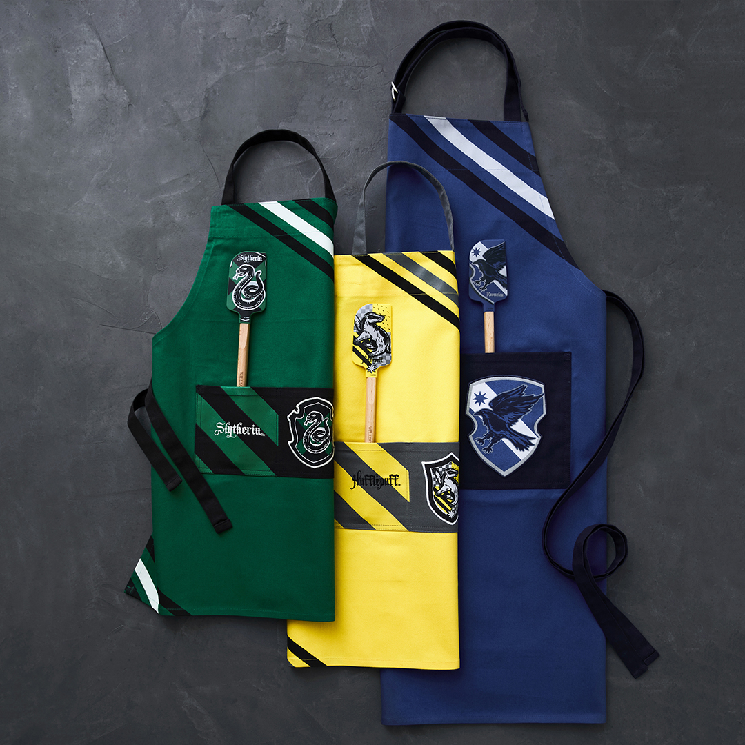 Harry Potter Aprons and Spatulas From Williams Sonoma