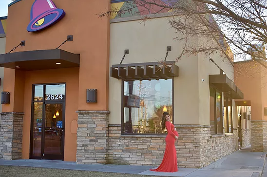 Mommy Blogger Is Serving up Major Glam in Taco Bell Maternity Shoot