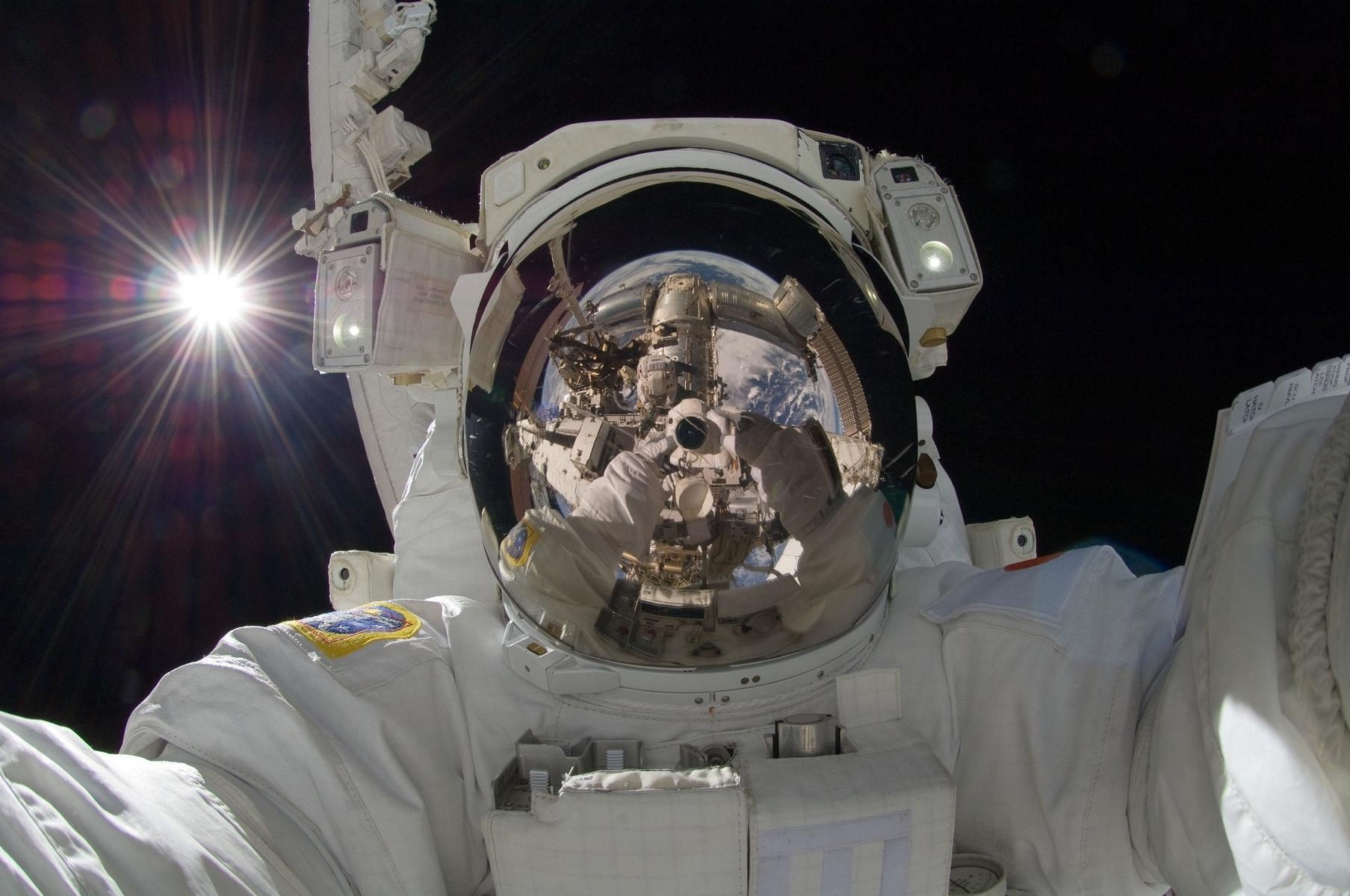 Your Kids Can Now Watch Astronauts Read Picture Books to Them From Space