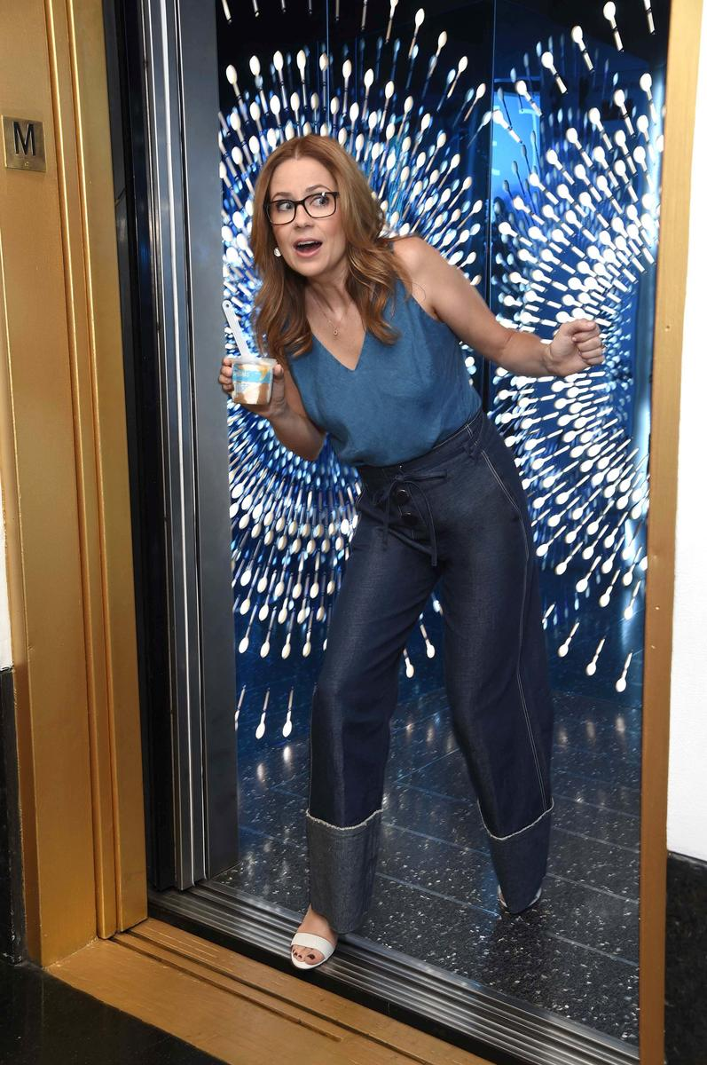 Jenna Fischer on Why She Needs Her Mom Squad for Both Parenting Advice and Ladies Night