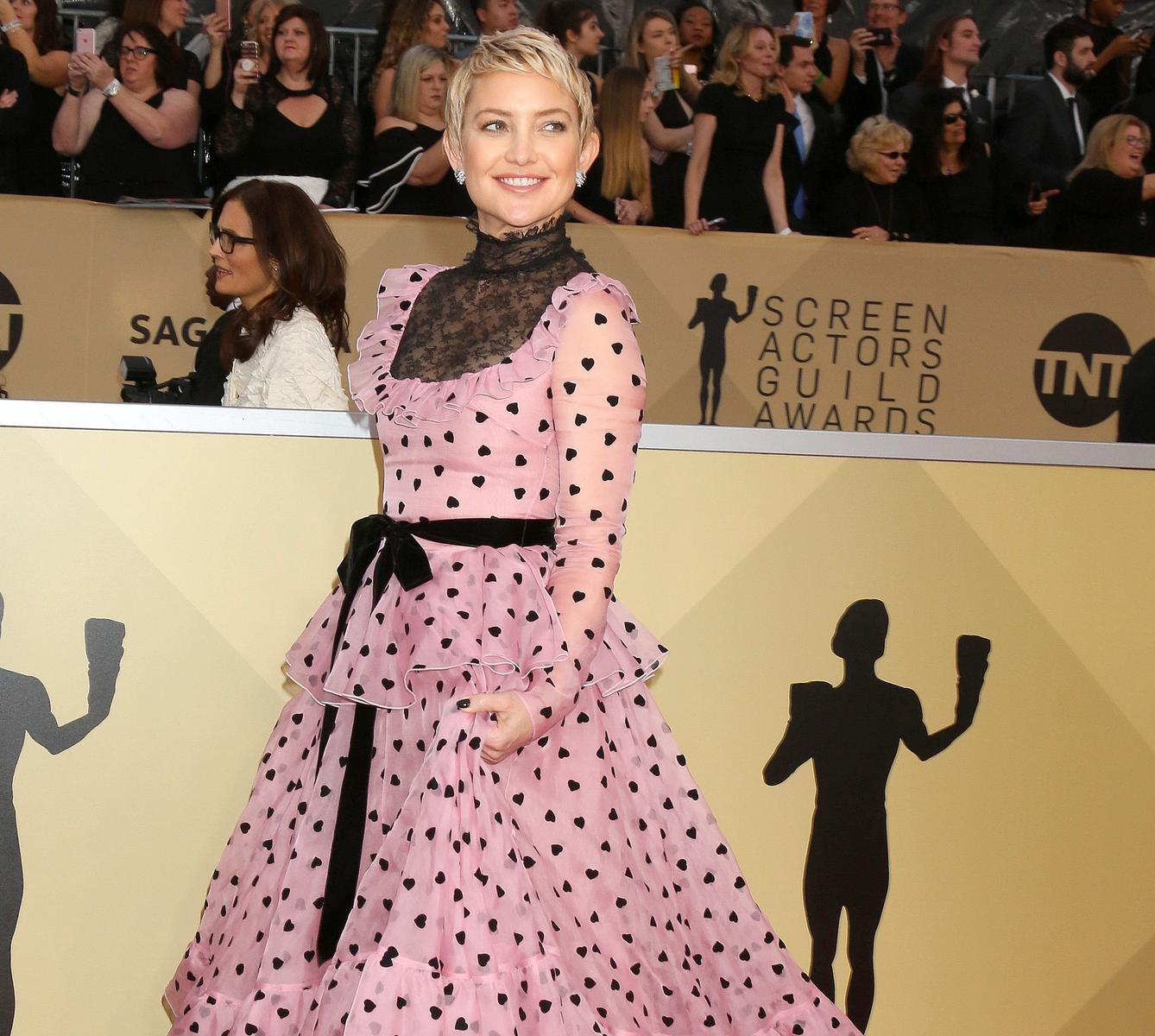 Kate Hudson Short Hair Pink Dress Black Heart Polka Dots