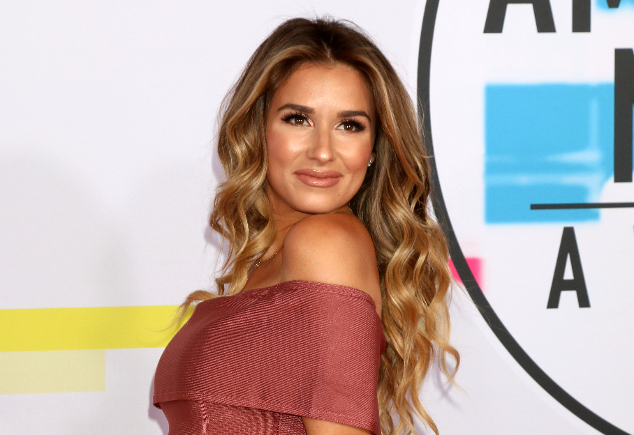 Jessie James Decker's Breastfeeding Question Ignites a Low-Key Celeb Mom Group on Instagram and We Want In