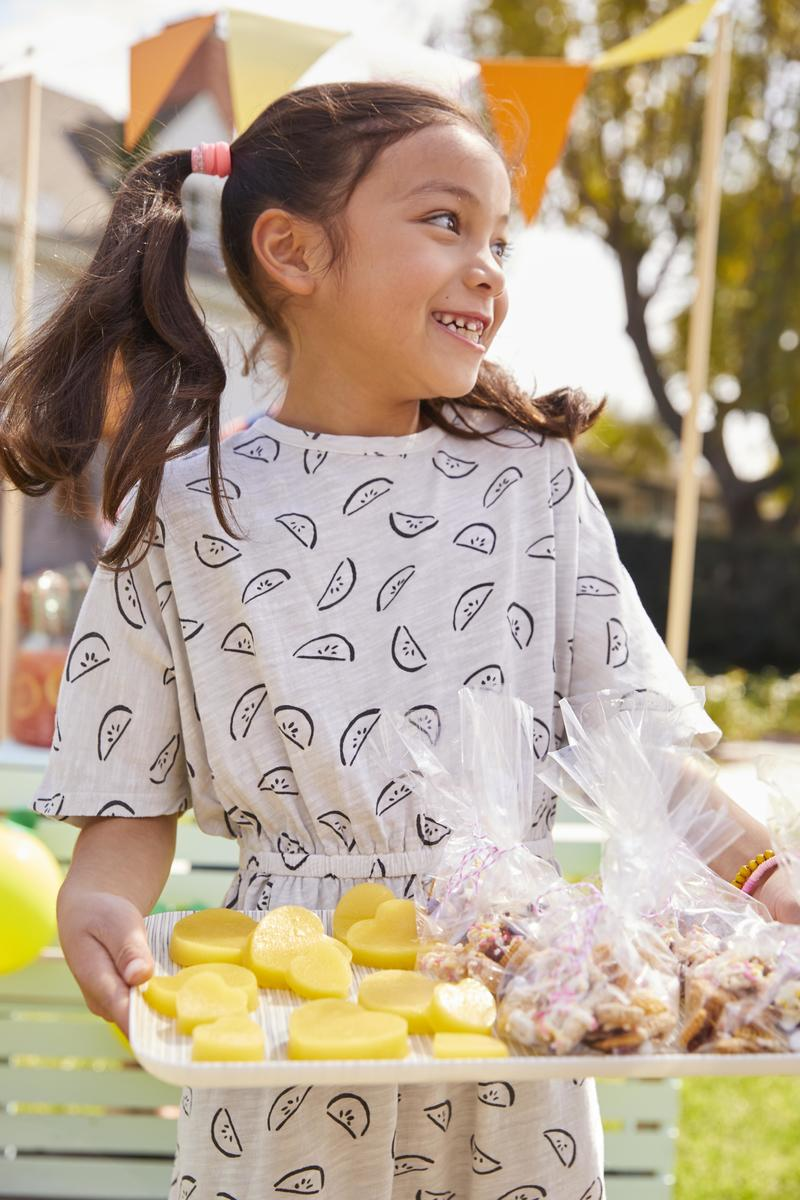 How to Have the Ultimate Lemonade Stand | Parents