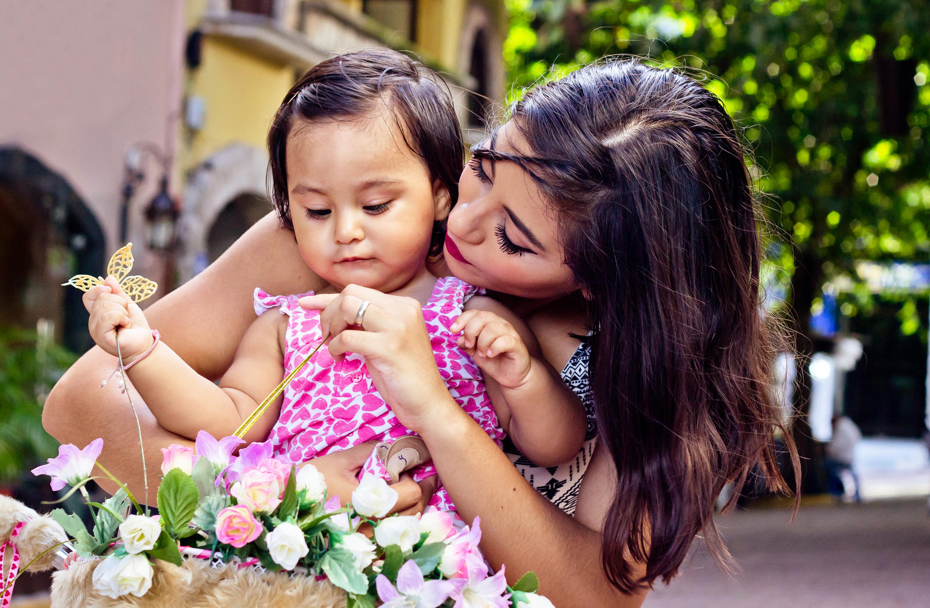What It's Like to Be a Mom In Latin America