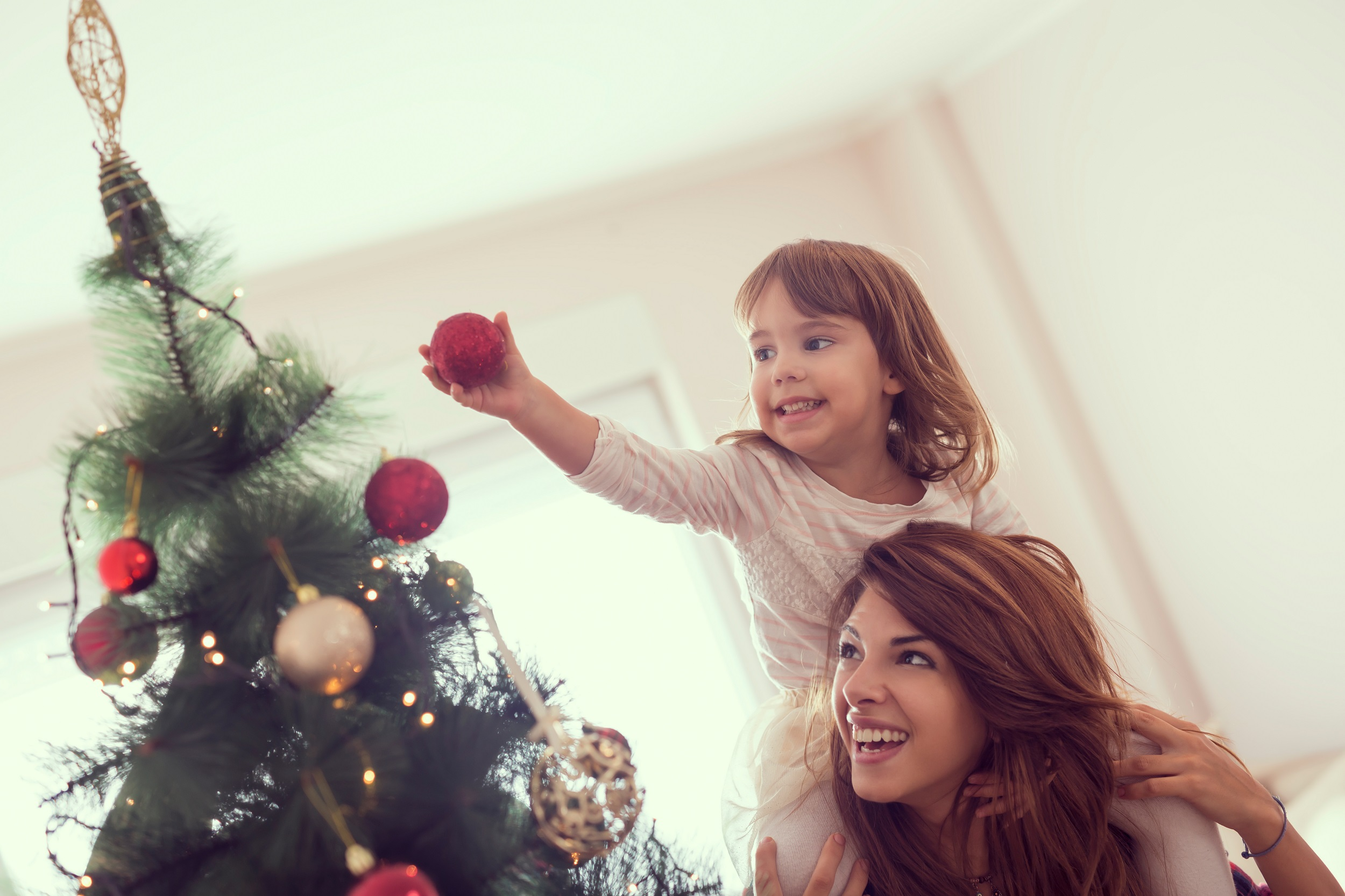 People Who Decorate for Christmas Earlier Are Happier, According to a Psychologist