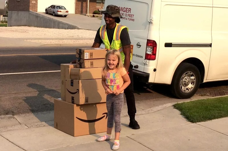 6-Year-Old Girl Secretly Buys Nearly $400 Worth of Toys from Her Mom's Amazon Account