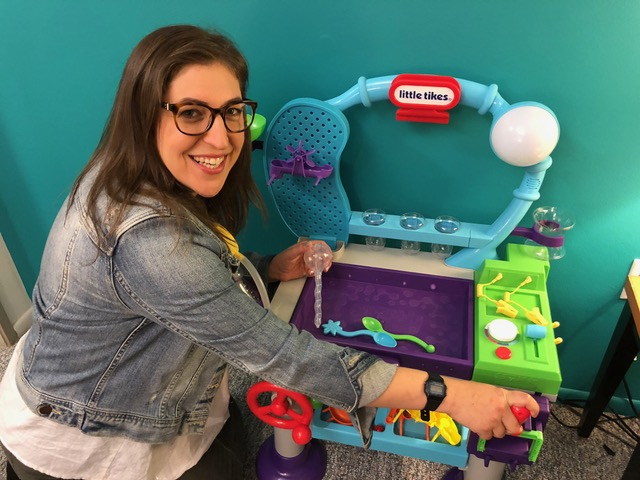 Little Tikes WonderLab Mayim Bialik