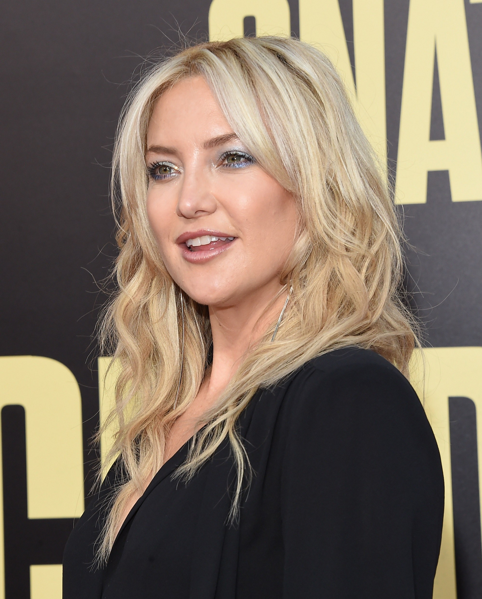 Pregnant Kate Hudson Shows Off Her 'Outie' Belly Button in New Photo