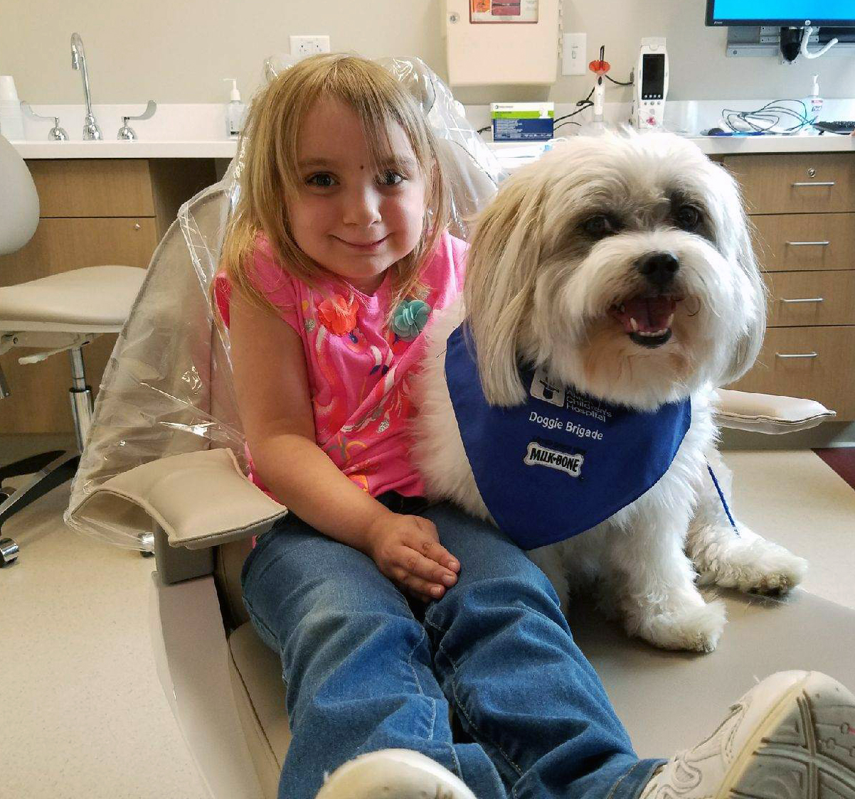 These Children's Hospital Therapy Dogs Are Everything We Need In The World Right Now