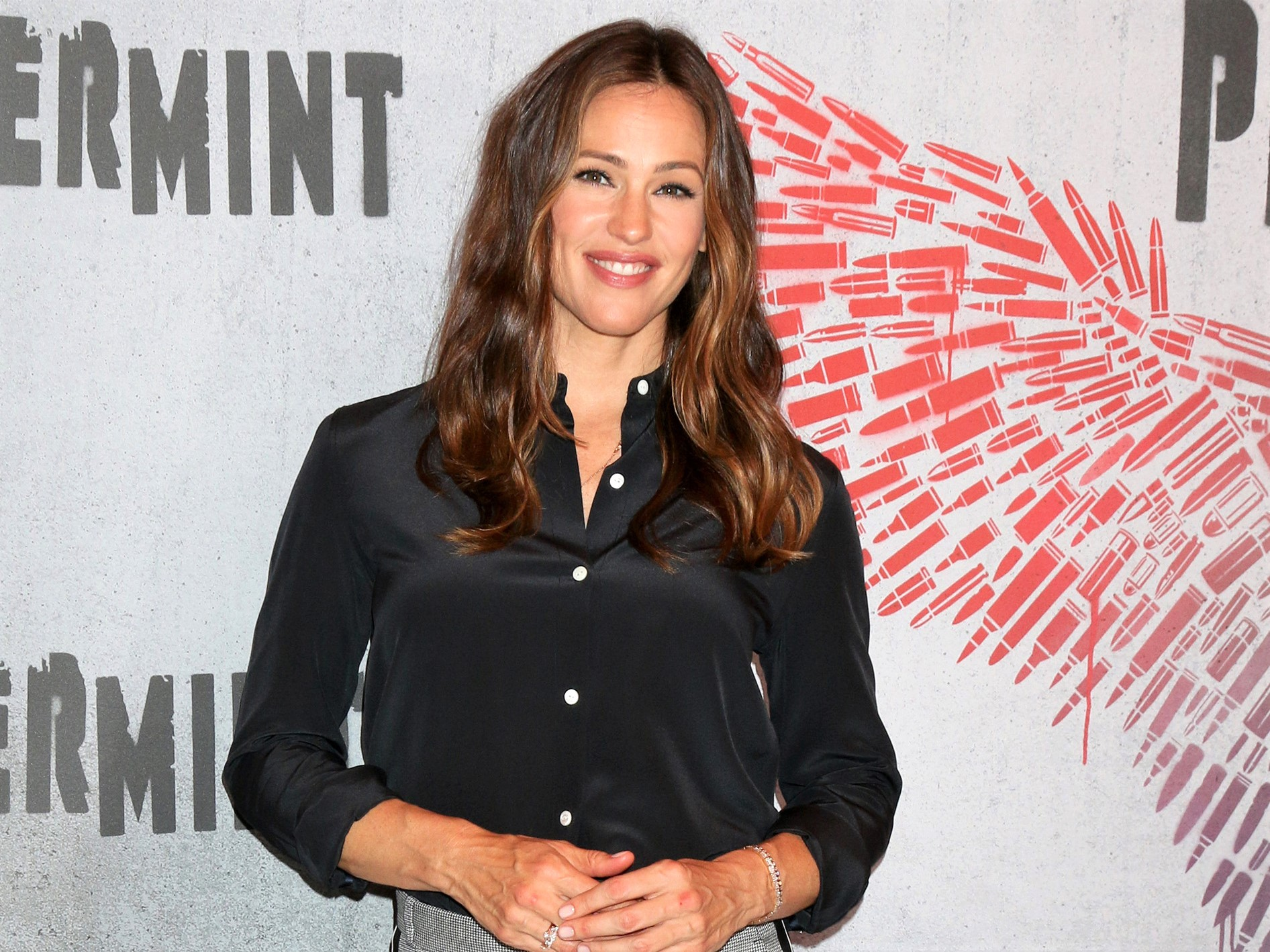 Jennifer Garner Turns Herself Into a First Day of School Meme that Any Parent Can Relate to