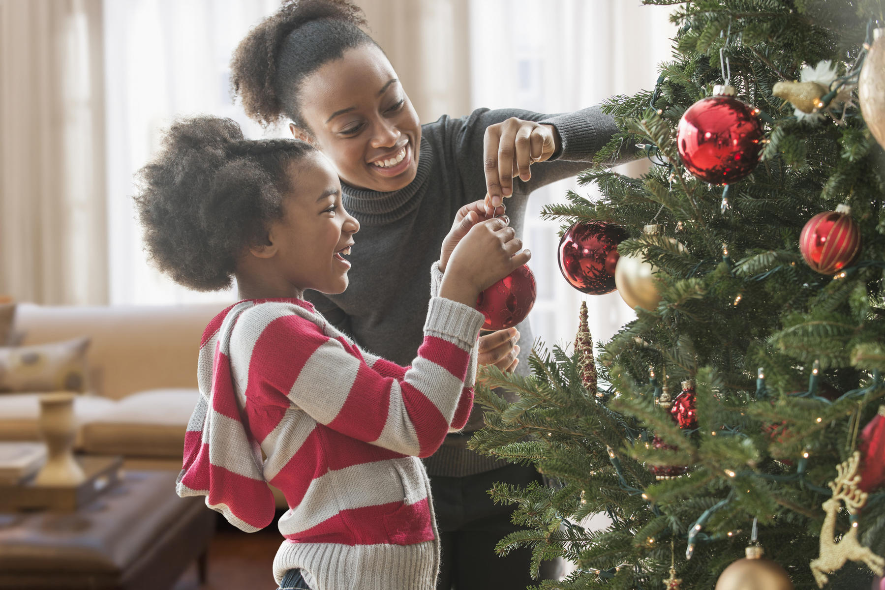 10 Ways to Make Your Kids Feel Extra Special This Holiday Season
