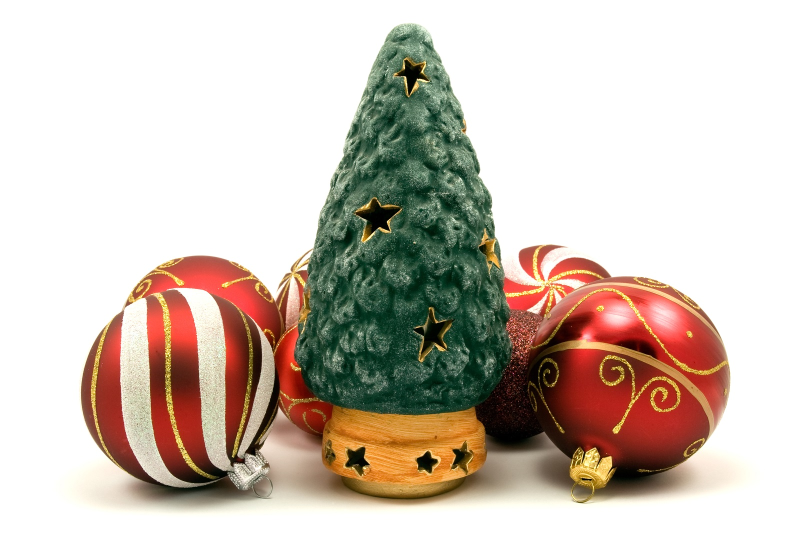 These Nostalgic Vintage Ceramic Christmas Trees Are Making a Comeback