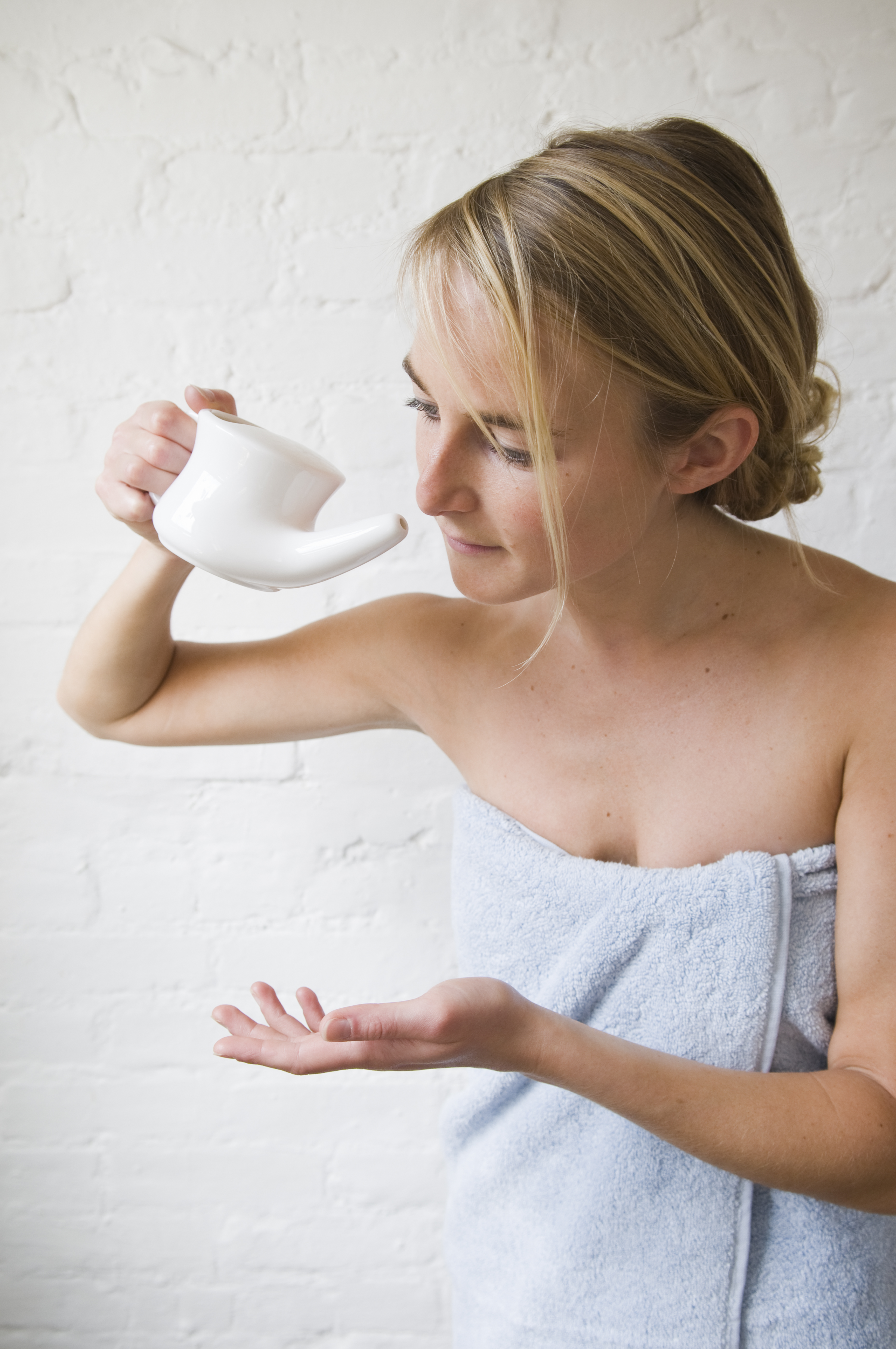 Woman Contracted Rare and Fatal Brain-Eating Amoeba After Using Neti Pot with Tap Water