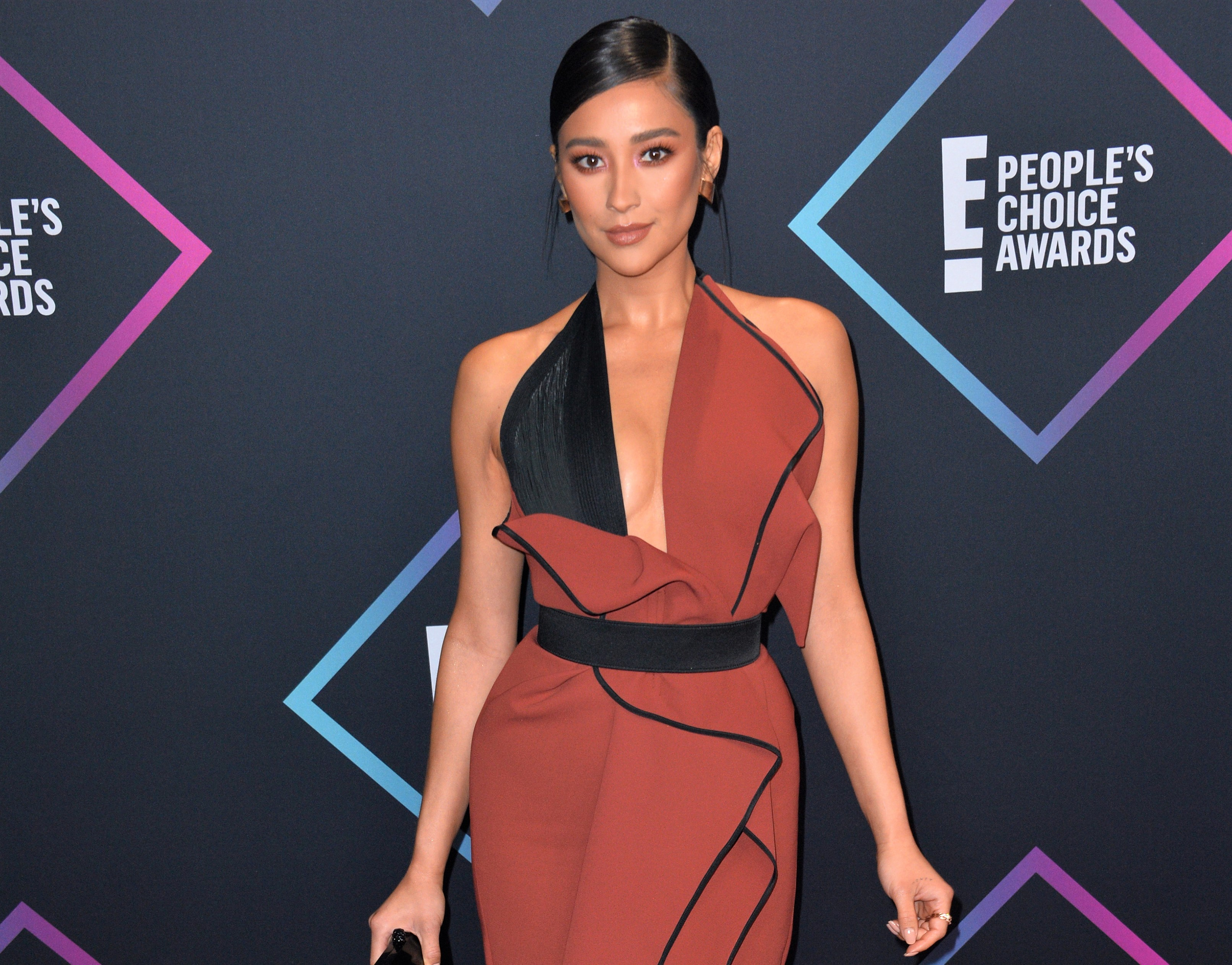 Shay Mitchell Reveals She Suffered Miscarriage and Lost 'Child of My Hopes and Dreams' in 2018