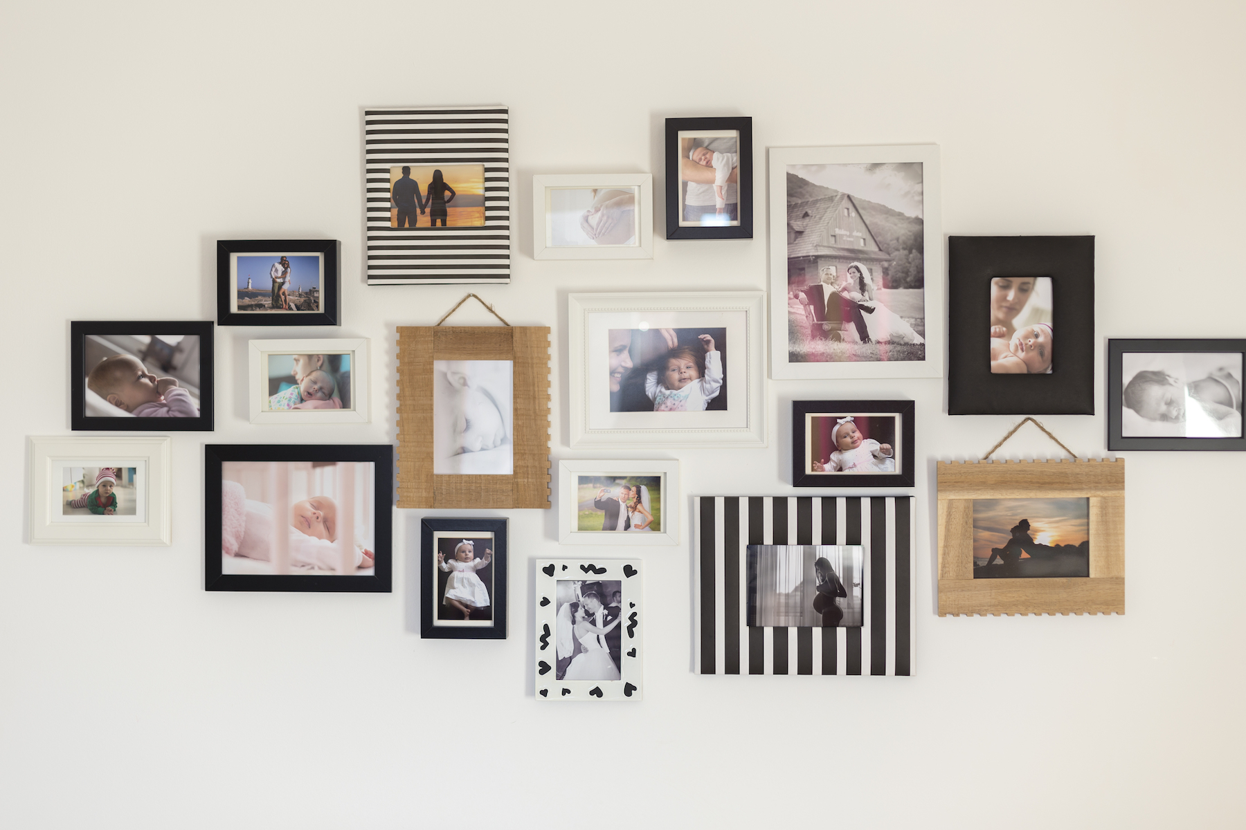 How to Create a Gallery Frame Wall for Family Photos