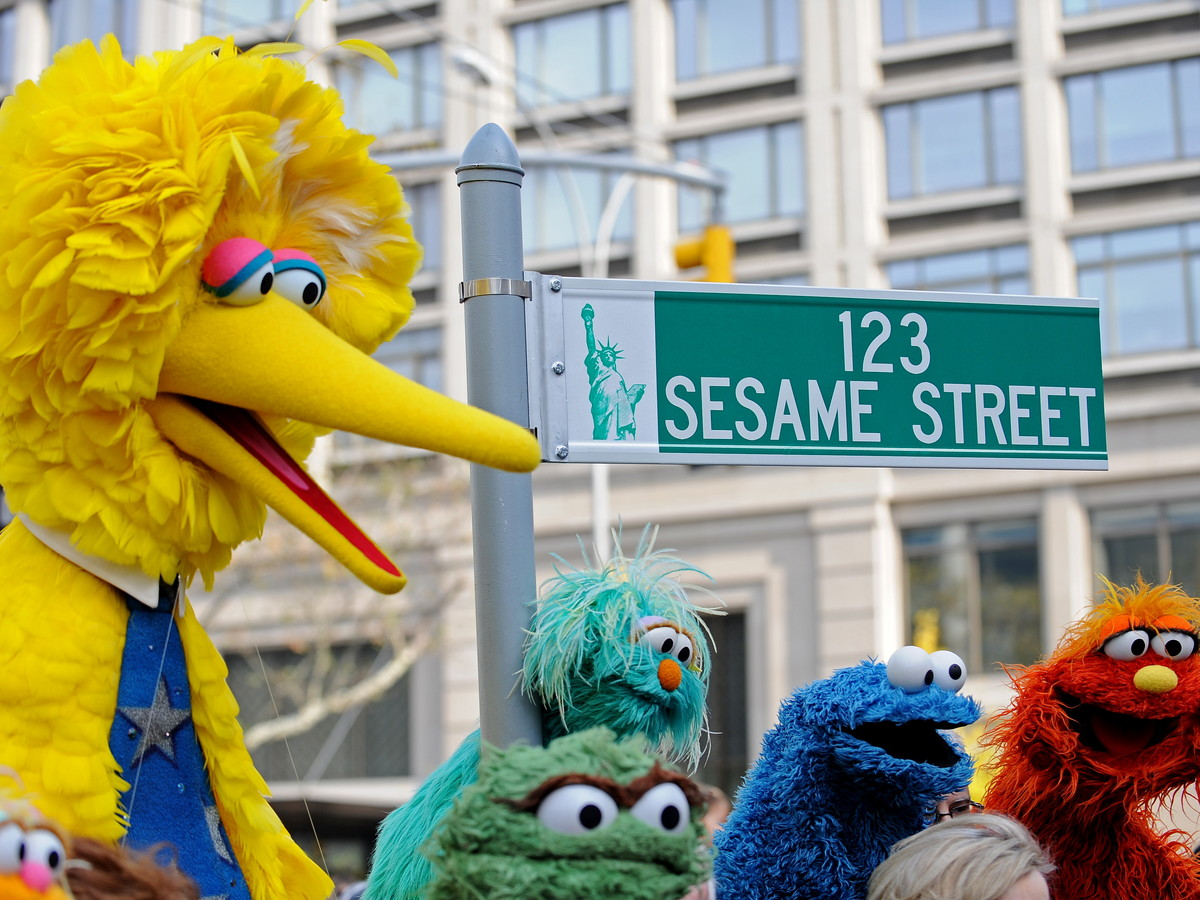 Analysis Finds Watching 'Sesame Street' Linked to Kids' School and Work Success