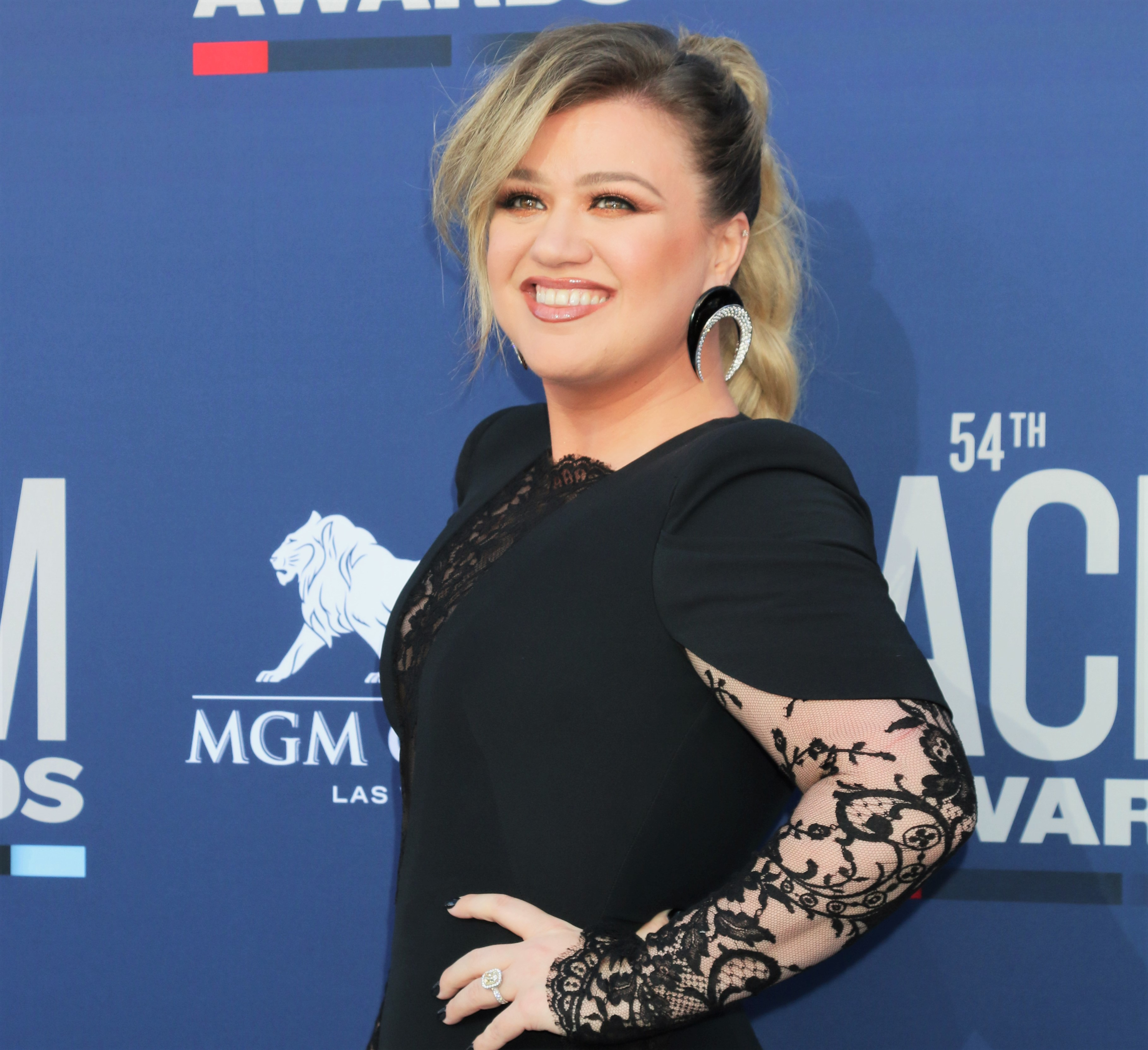 Kelly Clarkson Told Her Kids That 'Mommy and Daddy' Made Their Easter Baskets — Not a Bunny