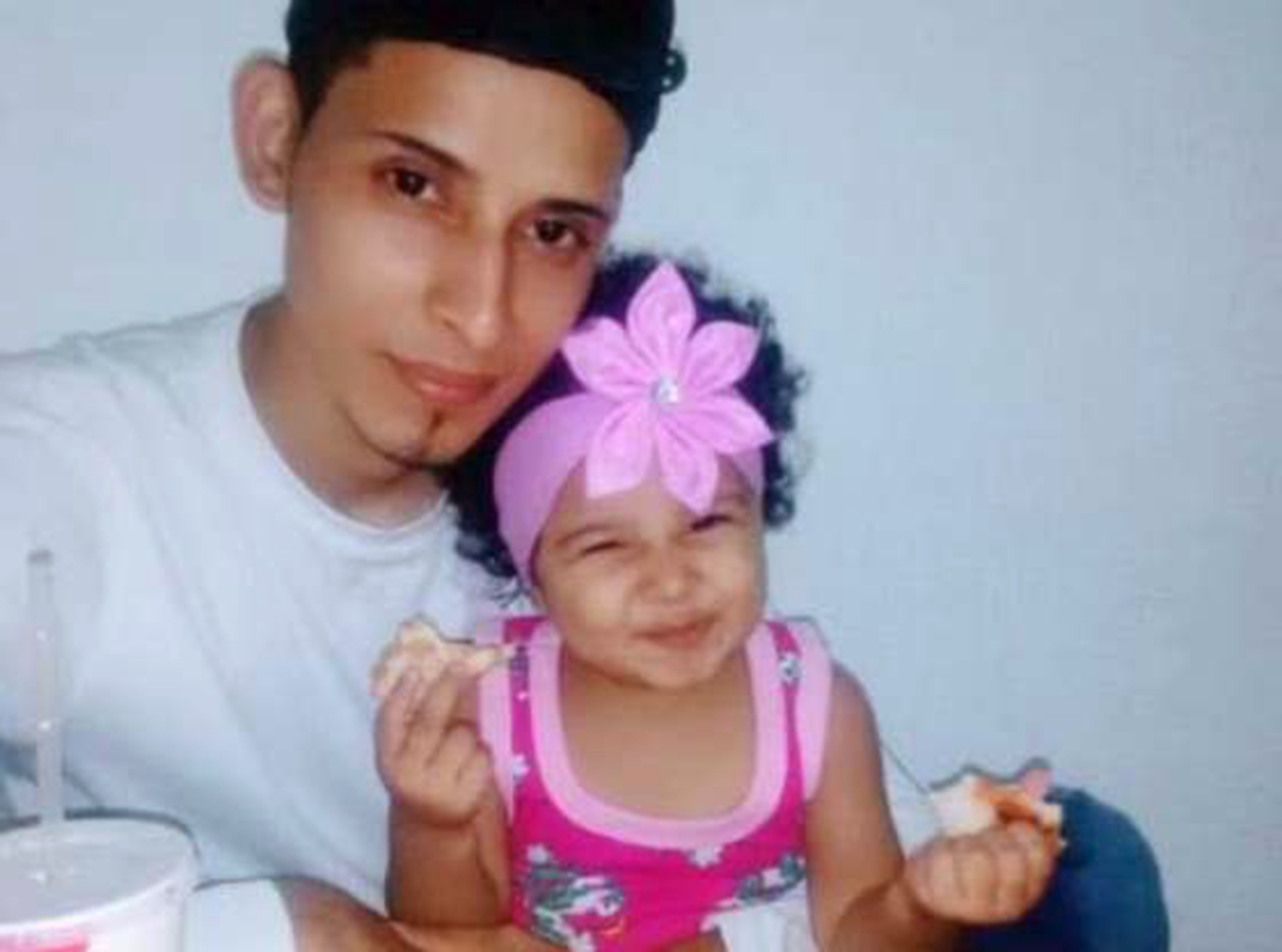 Dad & Toddler Who Drowned Trying to Enter U.S. Left a Country Where He Made Only $350/Month: 'They Wanted a Better Future'