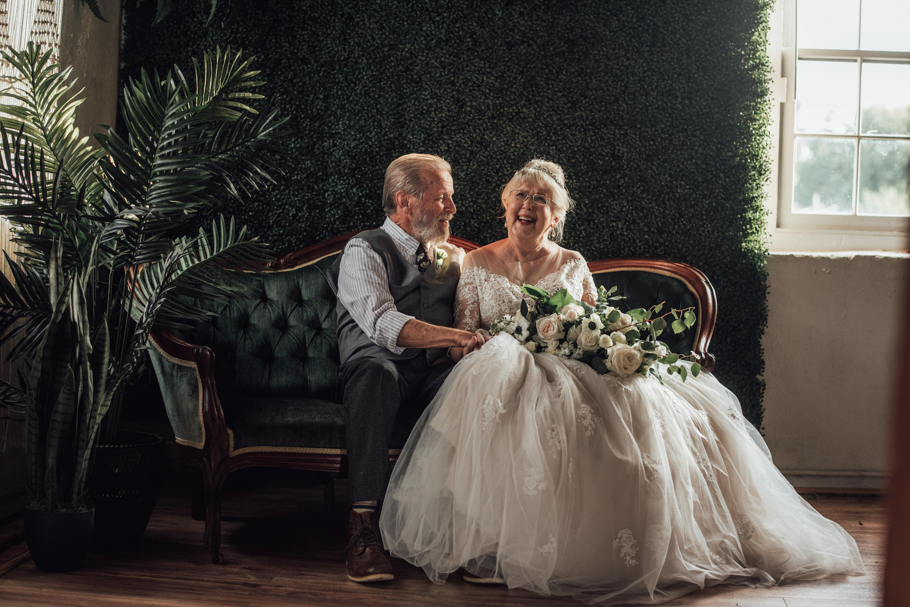 These Adorable Grandparents Recreated Their Wedding Photos 60 Years Later