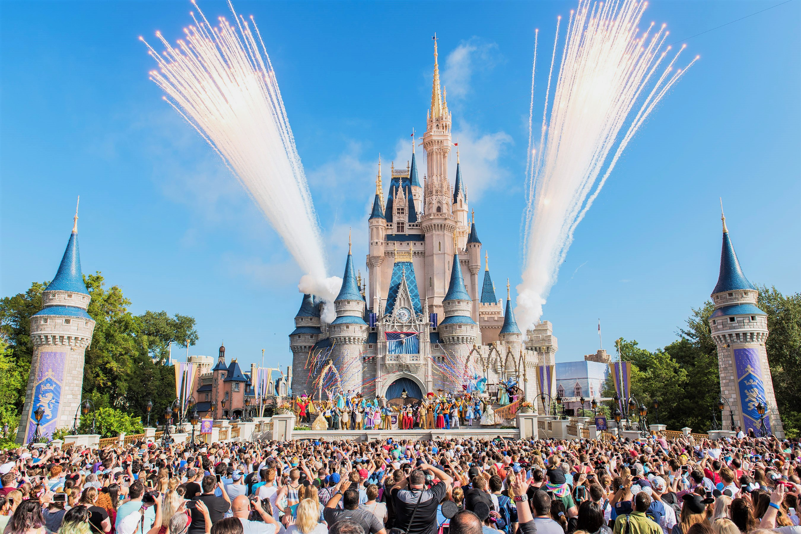 Mom's Viral Rant Calling for Disney World to Ban 'People Without Children' Spurs Online Debate