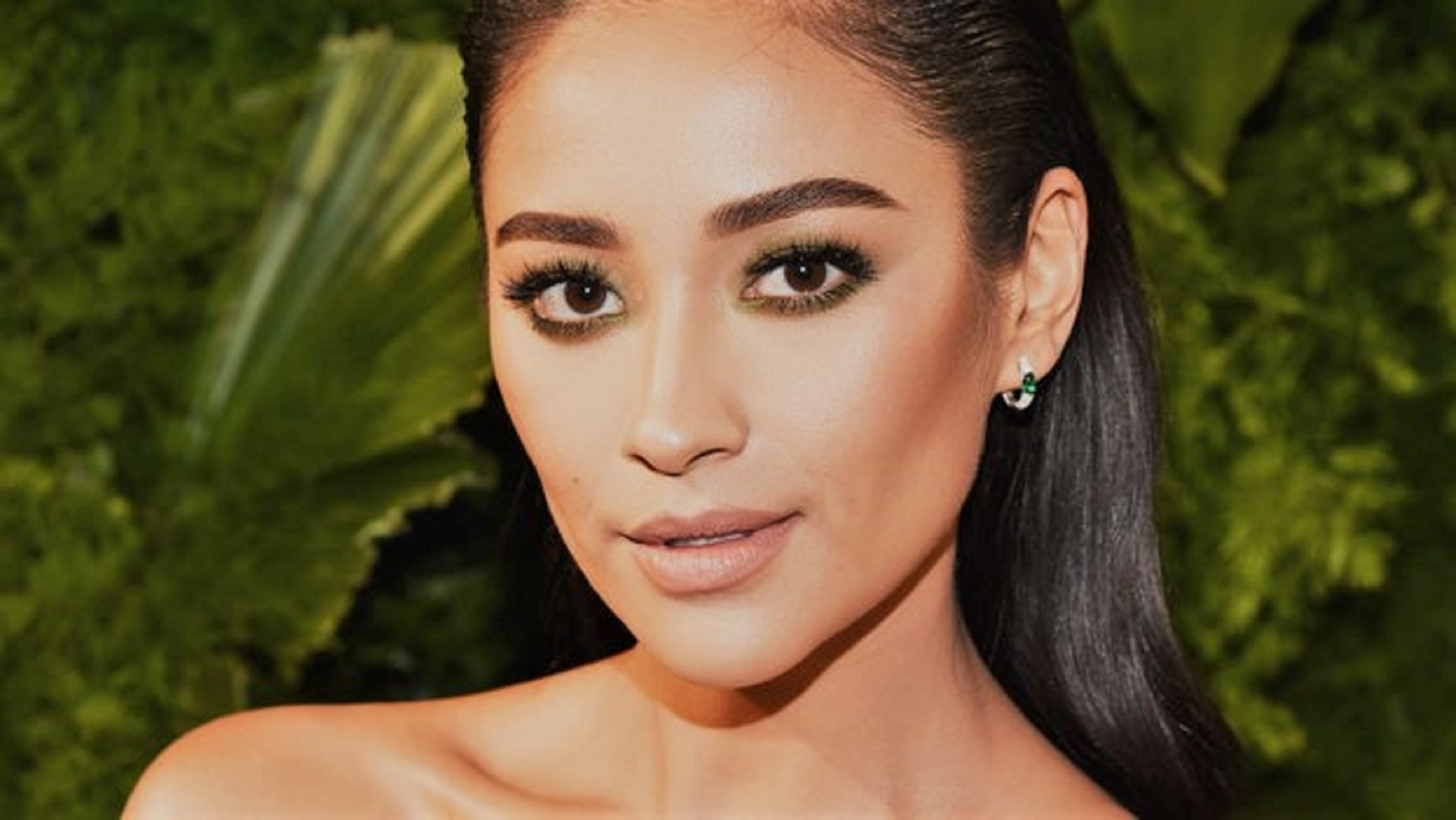 Pregnant Shay Mitchell and Boyfriend Matte Babel Disagree About Using an Epidural During Labor