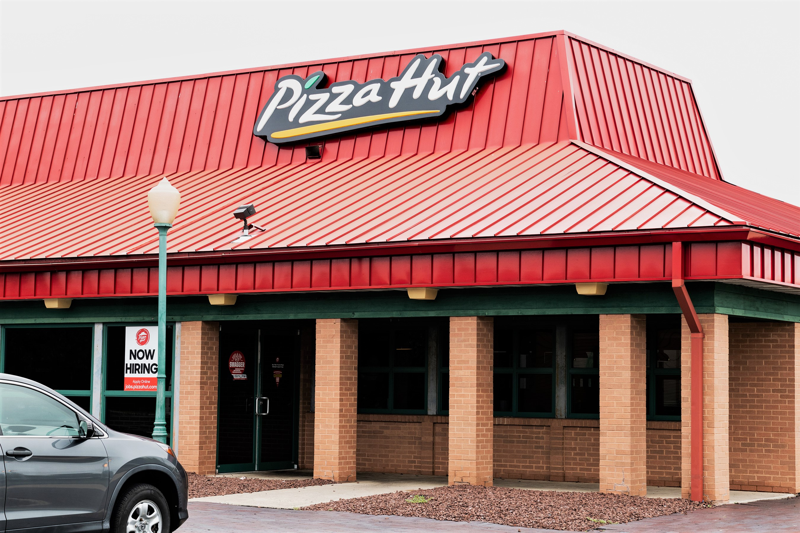 Dine In Pizza Hut Storefront