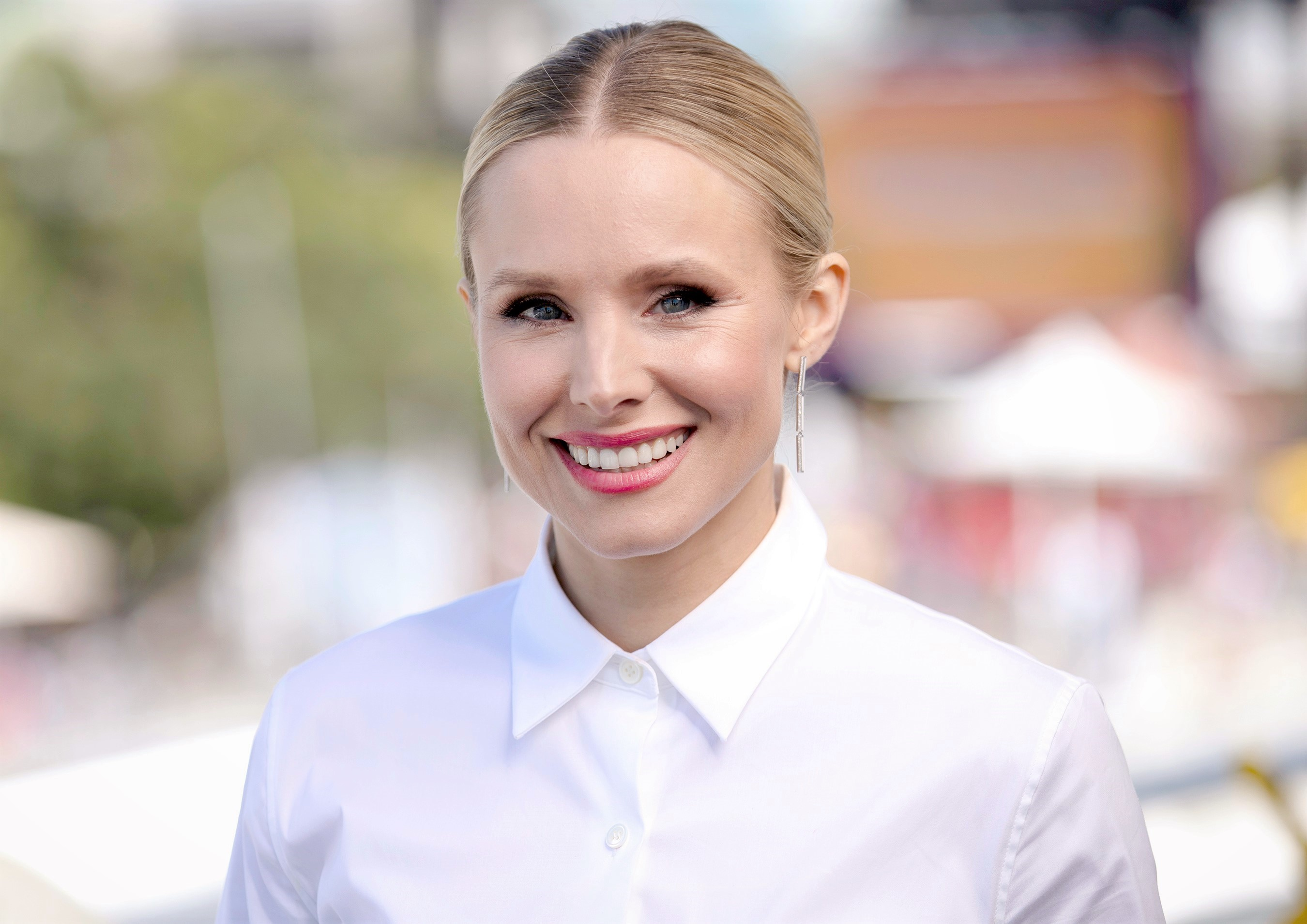 How Kristen Bell Is Helping Teachers Score Items on Their School Supply Wish Lists