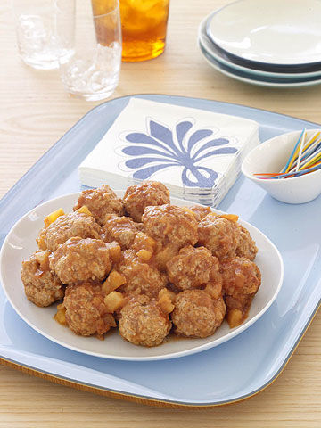 The convenience of the microwave reduces the start-to-finish time of these sweet and sour meatballs to less than 30 minutes. Serve this recipe as an appetizer or spoon over cooked noodles for a main dish.From Family Circle