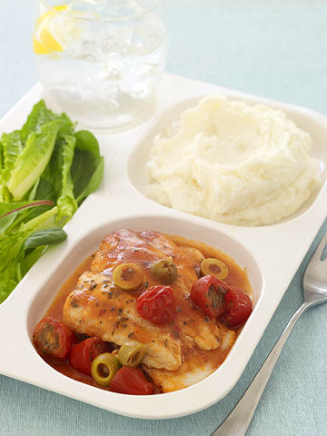 Red pepper flakes, oregano, and garlic salt spice up this saucy flounder recipe that's conveniently cooked in the microwave.From Family Circle