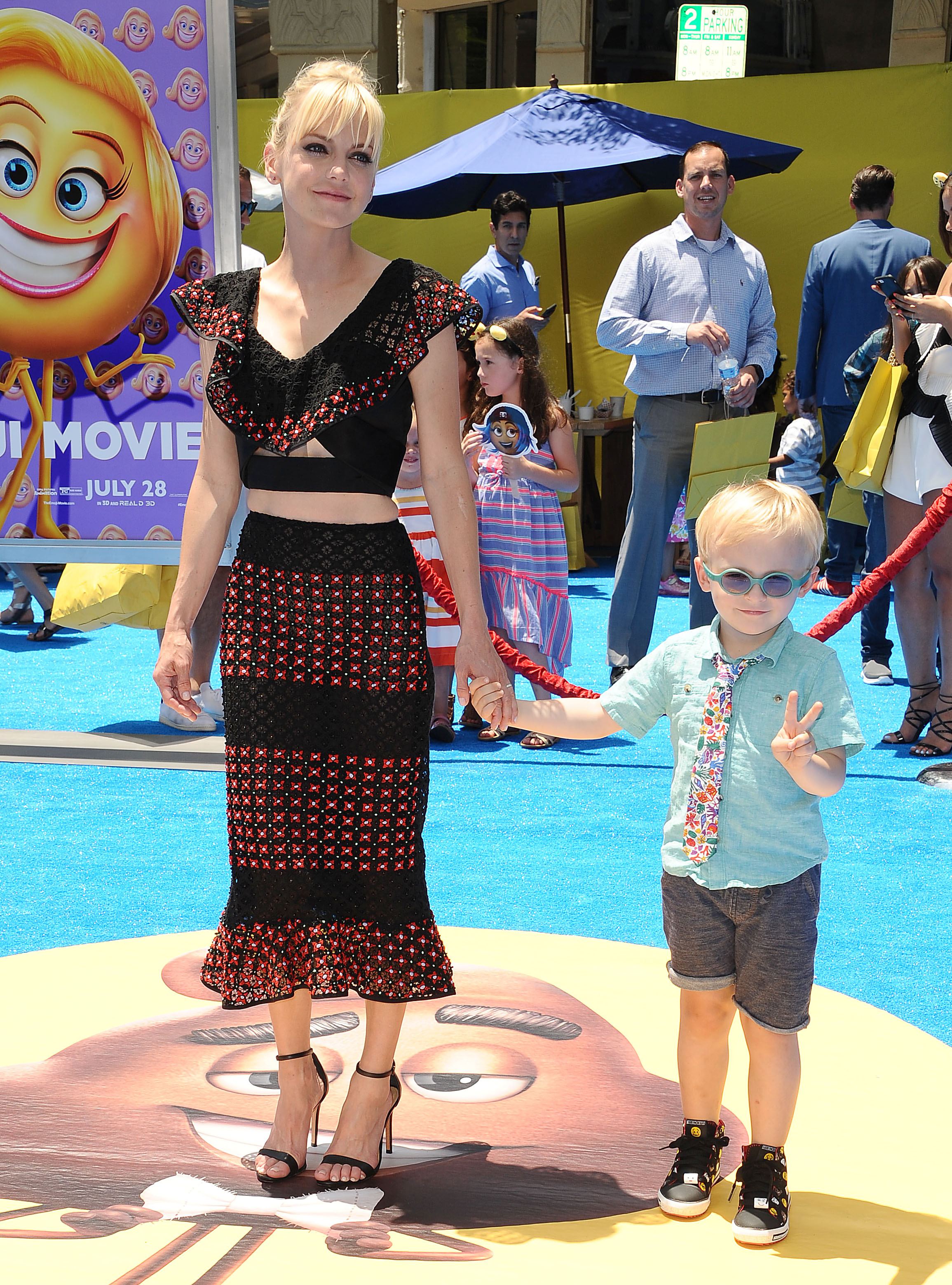 Anna Faris Spills on the Reality of Her Messy Mom Life