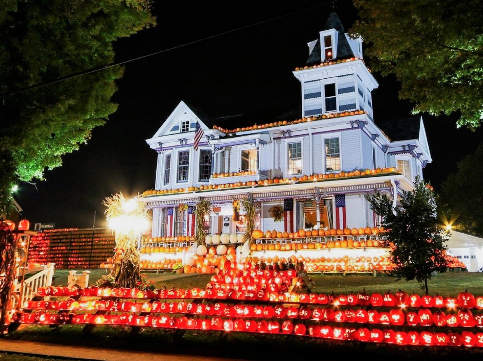 This West Virginia Home Has 3,000 Pumpkins On Display Every Halloween