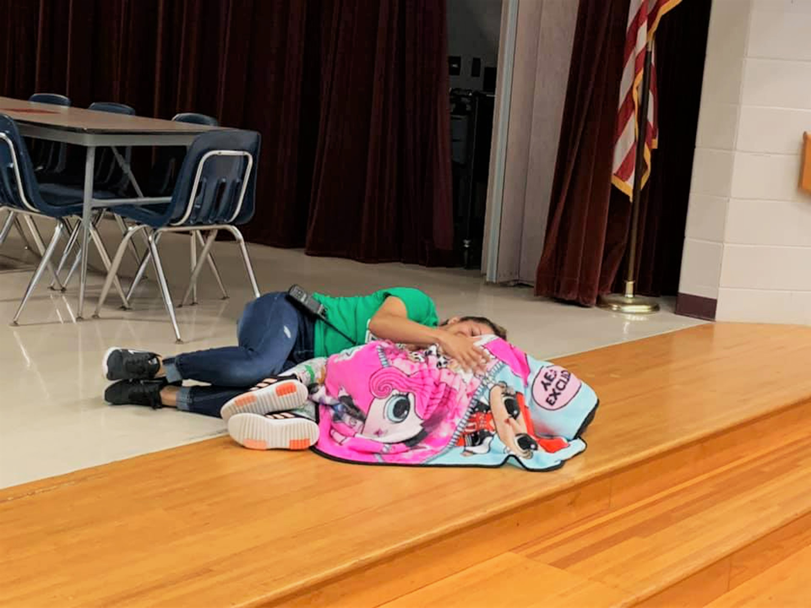 'Angel' Custodian Comforts Upset Student with Autism in Sweet Photo: She's 'Literally the Best'
