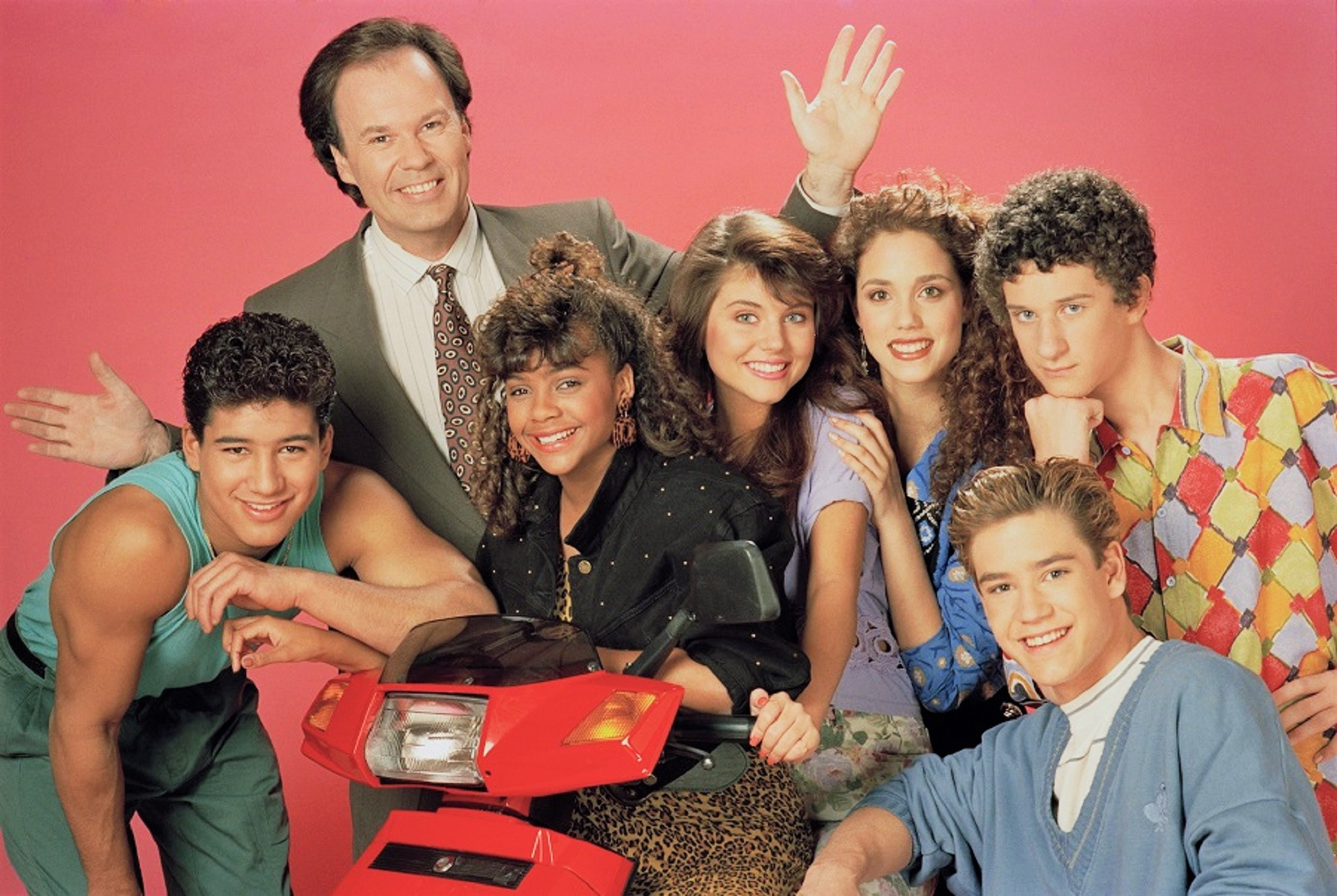 A Saved by the Bell Revival is Finally Happening, and Yes, Original Cast Members Are Involved