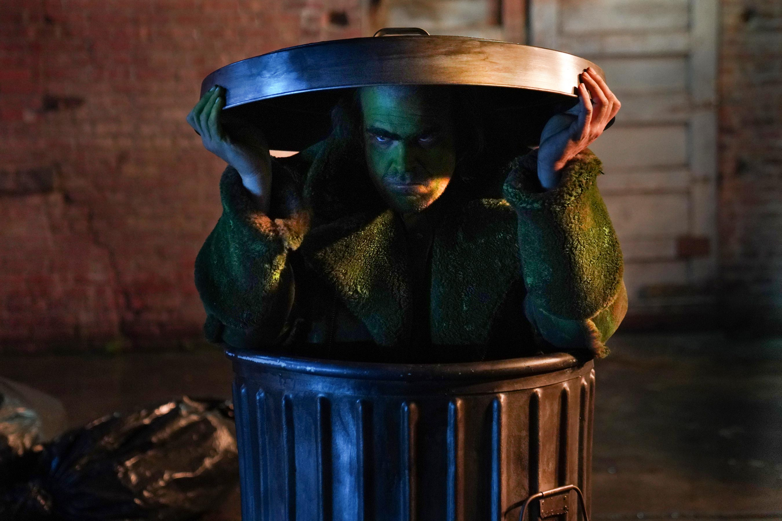 David Harbour is Gritty Oscar the Grouch in SNL's Brilliant Joker Parody