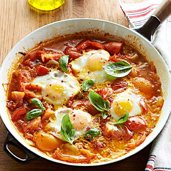 Spicy Poached Eggs in Tomato Sauce