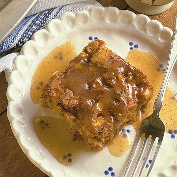 Apple Pudding with Rummy Sauce