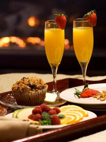 Eat a fireside breakfast in bed